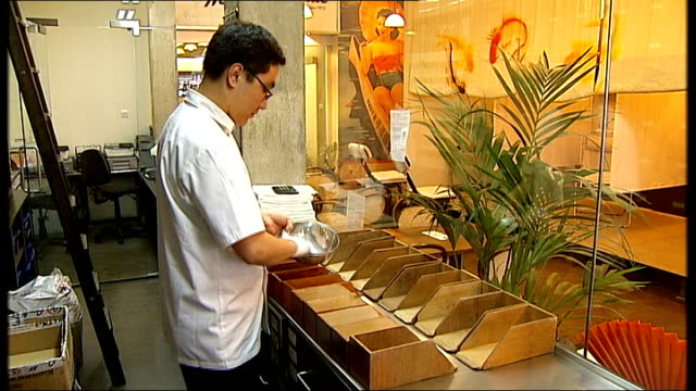 chinese herbal medicine in herbal shop - chinese herbal medicine stock videos and b-roll footage