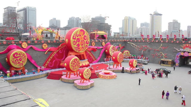 ws chinese lantern festival celebrations of ancient city wall/xian,shaanxi,china - chinese lantern festival stock videos and b-roll footage