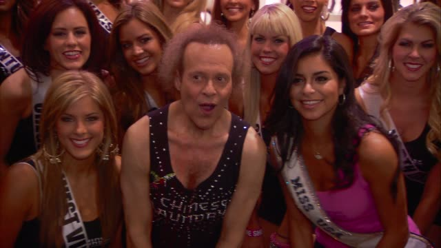 chinese laundry presents the miss usa hula hoop competition with richard simmons las vegas nv united states 6/10/11 at the gettyimages event capsules... - schönheitskönigin stock-videos und b-roll-filmmaterial
