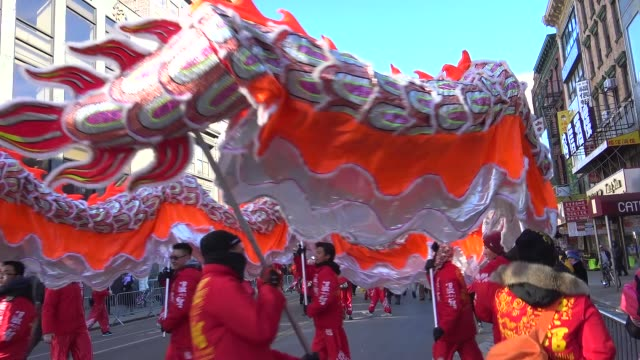 vídeos y material grabado en eventos de stock de chinese new year parade in chinatown celebrating the year of the monkey / lower manhattan, new york city, usa - dragon chino