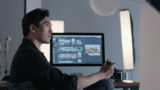 chinese photographer in studio,4k - digitalkamera bildschirm stock-videos und b-roll-filmmaterial