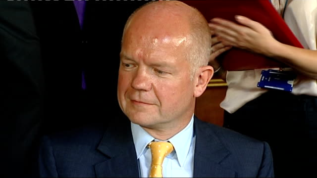 stockvideo's en b-roll-footage met anglochinese trade agreement signing ceremony further shots of william hague and chinese commerce minister signing agreements watched by others at... - william hague