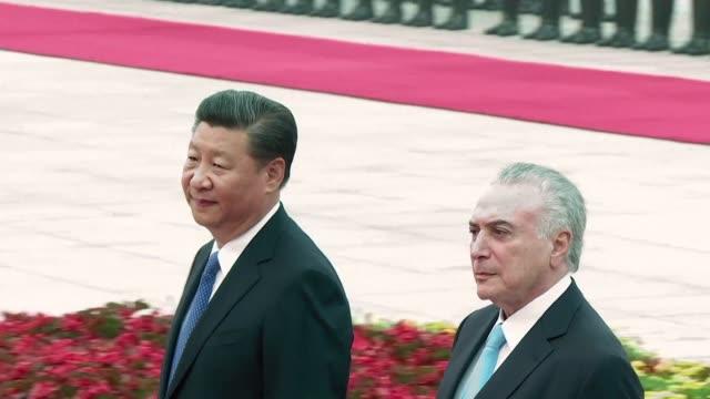 chinese president xi jinping welcomes brazil's president michel temer with an official ceremony ahead of the annual brics summit - g8:s toppmöte bildbanksvideor och videomaterial från bakom kulisserna