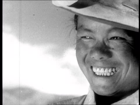 stockvideo's en b-roll-footage met chinese propaganda film on tibet made one year after the dalai lama fled to india in 1959 - 1959