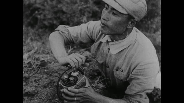 vídeos y material grabado en eventos de stock de chinese soldiers blow up their own roads set fire to crops and blow up factories to buy time to build up arms against japan - chiang kai shek