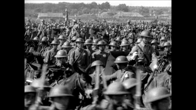 stockvideo's en b-roll-footage met chinese soldiers marching ws chinese troops infantry horseback walking cu general chiang kaishek standing ws soldiers passing village ms kaishek... - chiang kai shek