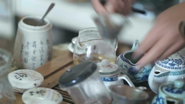 chinese tea making ceremony - bricco video stock e b–roll
