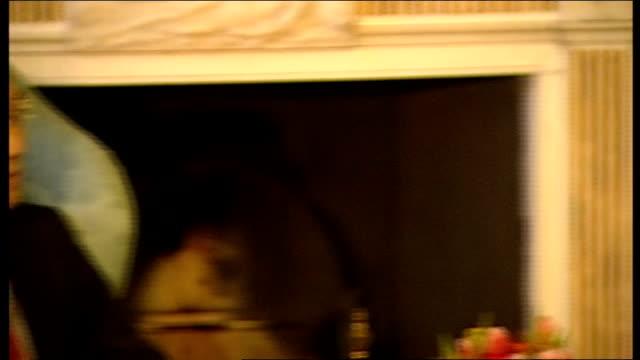 chinese vice premier li keqiang meets alex salmond alex salmond msp speech to chinese delegation sot li keqiang speaking to salmond and british... - tartan stock videos & royalty-free footage