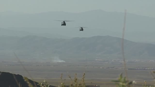 chinook helicopters in afghanistan - kandahar afghanistan stock videos & royalty-free footage