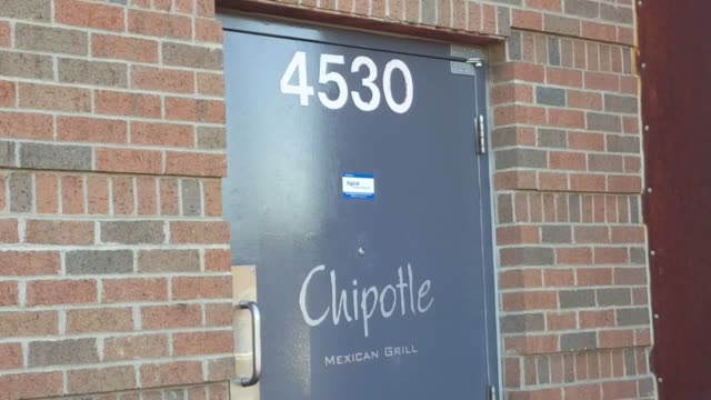 chipotle is bracing for its first quarterly loss ever due to efforts to win back customers after its recent e. coli scare. filmed at 4530 south... - escherichia coli video stock e b–roll