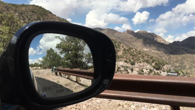 vídeos y material grabado en eventos de stock de chiricahua national monument in arizona seen in a side view mirror - retrovisor exterior