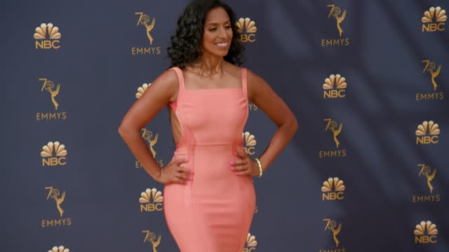 vídeos de stock, filmes e b-roll de chloe arnold at the 70th emmy awards arrivals at microsoft theater on september 17 2018 in los angeles california - 70th annual primetime emmy awards