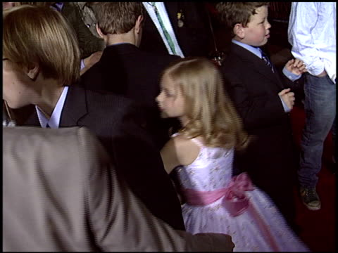 stockvideo's en b-roll-footage met chloe grace moretz at the premiere of 'the amityville horror' at arclight cinemas in hollywood california on april 7 2005 - 2005