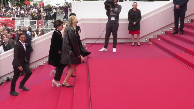 chloe sevigny at 'portrait of a lady on fire ' red carpet arrivals the 72nd cannes film festival at palais des festivals on may 19 2019 in cannes... - fille de stock videos & royalty-free footage