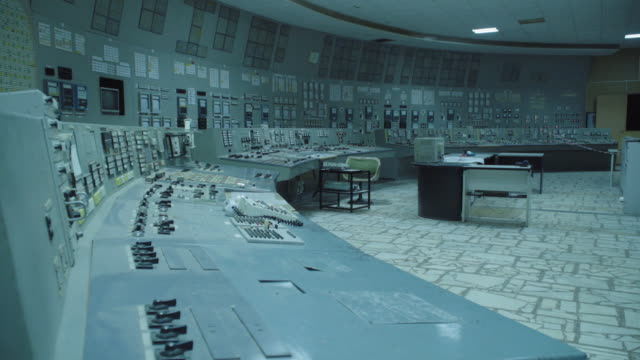 stockvideo's en b-roll-footage met chnpp reactor 3 unit control room , where all main technological processes were controlled during reactor operation near chernobyl, on june 18, 2019.... - kernramp van tsjernobyl