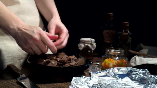 Chocolate bark making