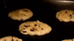 Chocolate chip and raisin cookies - time lapse HD