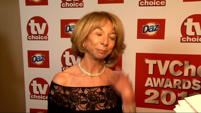 choice awards 2011 in london: red carpet general views and interviews; england: london: savoy hotel: int general views helen worth and interview sot... - seifenoper stock-videos und b-roll-filmmaterial