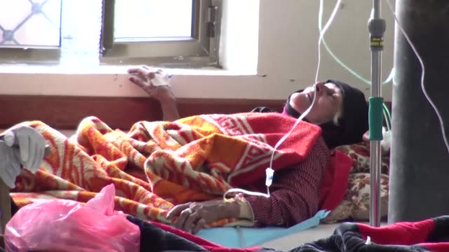 cholera outbreak in war ravaged yemen has killed nearly 800 people and infected more than 100,000 others in just over a month the world health... - vibrio stock videos & royalty-free footage