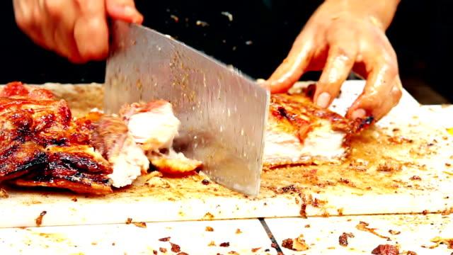 vidéos et rushes de couper en morceaux de porc - péruvien