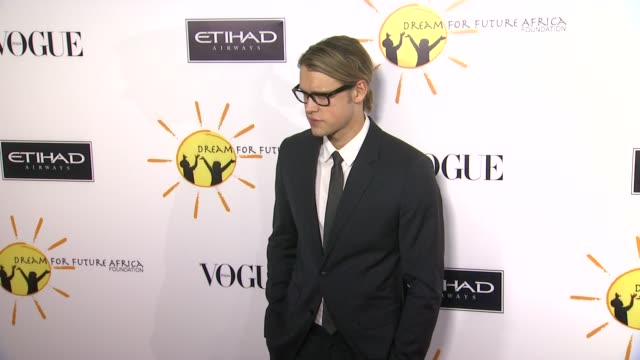chord overstreet at gelila and wolfgang puck's dream for future africa foundation gala in beverly hills, ca, on . - ウォルフギャング パック点の映像素材/bロール