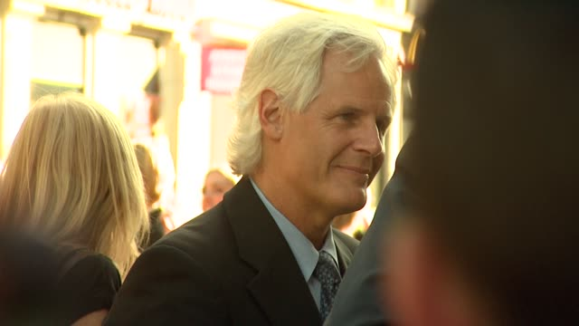 chris carter at the x-files: i want to believe uk premiere at london . - xファイル点の映像素材/bロール