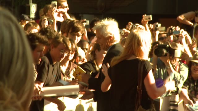 chris carter signing at the x-files: i want to believe uk premiere at london . - xファイル点の映像素材/bロール