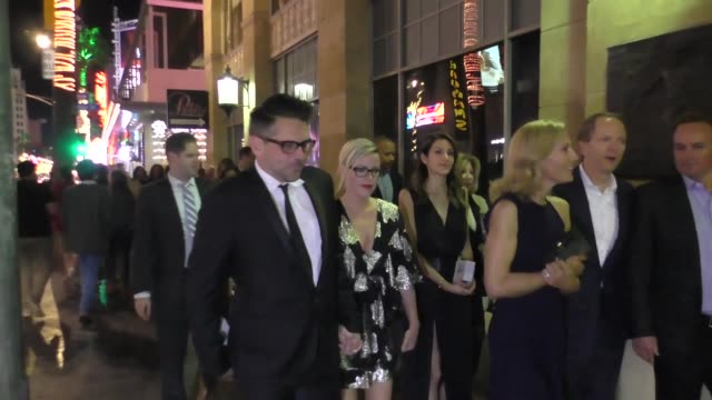 chris cowles and kathleen robertson leave father figures premiere at tcl chinese theater in hollywood at celebrity sightings in los angeles on... - tcl chinese theater stock-videos und b-roll-filmmaterial