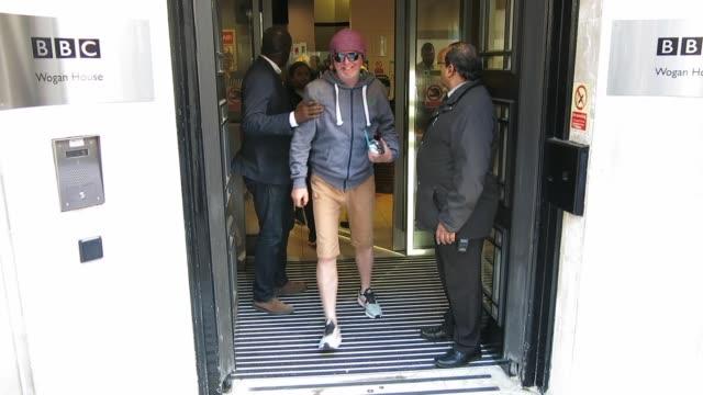 vídeos y material grabado en eventos de stock de chris evans at bbc radio 2 at celebrity sightings in london on september 28, 2018 in london, england. - bbc radio