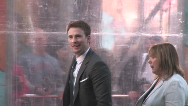 chris evans at the premiere of 'the losers' in hollywood at the celebrity sightings in los angeles at los angeles ca - avvistamenti vip video stock e b–roll