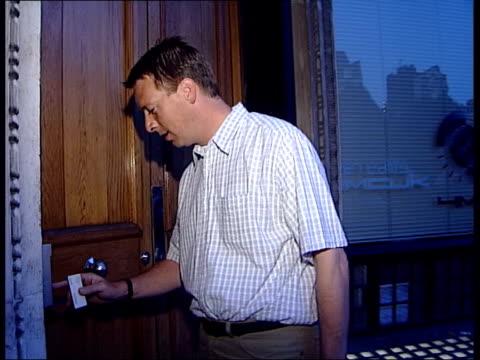 chris evans leaves virgin radio itn london russ williams arriving at work to present breakfast show in place of missing disc jockey chris evans sot... - war in afghanistan: 2001 present stock-videos und b-roll-filmmaterial