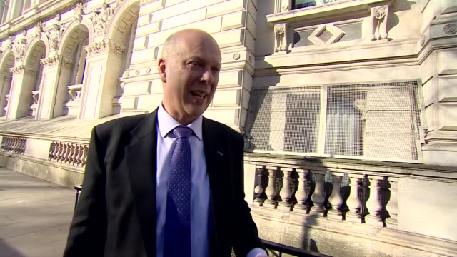 stockvideo's en b-roll-footage met london westminster whitehall ext chris grayling mp doorstep interview as arriving at downing street gates sot re probation service reforms re payment... - probatie