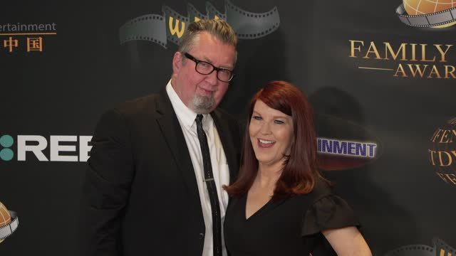 chris haston, kate flannery at the 24th family film awards at hilton los angeles/universal city on march 24, 2021 in universal city, california. - universal city stock videos & royalty-free footage