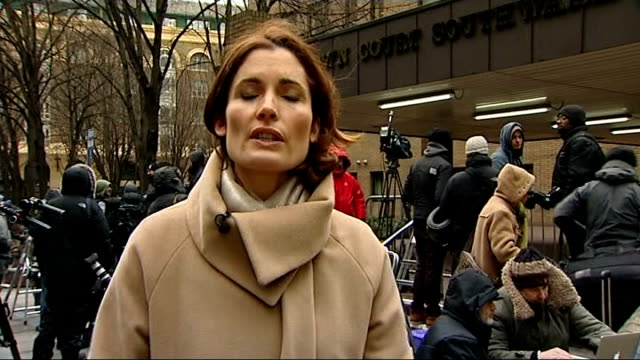chris huhne and vicky pryce both jailed for 8 months for perverting the course of justice reporter to camera - ビッキー・プライス点の映像素材/bロール