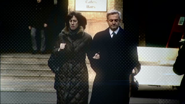 vicky pryce continues to give evidence r04021303 / chris huhne mp arriving at court with girlfriend carina trimingham graphicised vicky pryce... - ビッキー・プライス点の映像素材/bロール