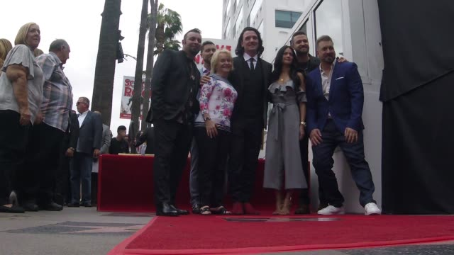 nsync chris kirkpatrick lance bass jc chasez joey fatone and justin timberlake at the *nsync honored with a star on the hollywood walk of fame on... - jc chasez stock-videos und b-roll-filmmaterial