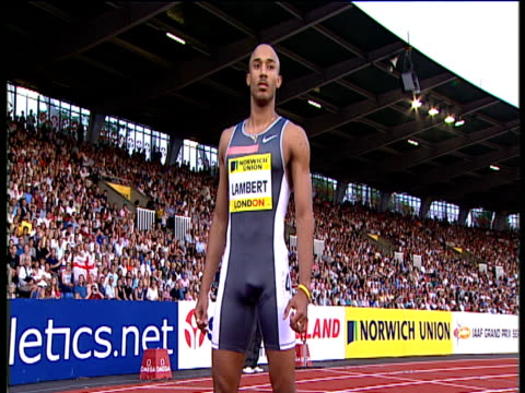 chris lambert looking focused on starting line men's 200m 2004 crystal palace athletics grand prix london - sportmeisterschaft stock-videos und b-roll-filmmaterial