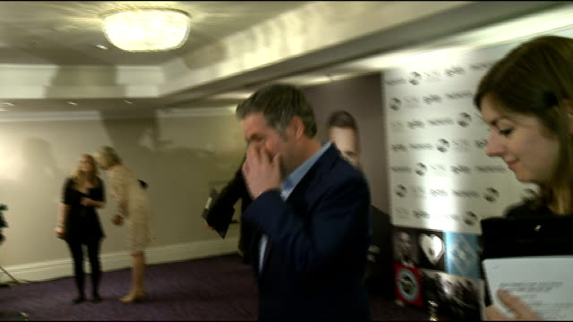 vídeos y material grabado en eventos de stock de chris moyles involved in tax avoidance scheme; lib london: grosvenor house hotel: int chris moyles at the music industry trusts awards ceremony - hotel grosvenor house londres