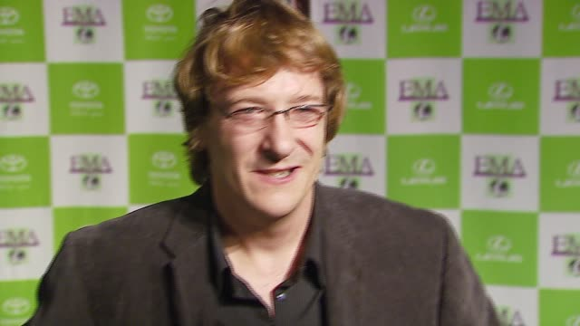 chris paine at the 16th annual environmental media awards at ebell theater in los angeles california on november 8 2006 - environmental media awards点の映像素材/bロール