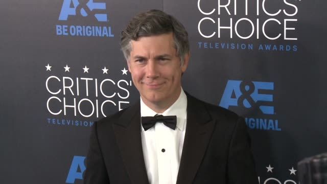 chris parnell at the 2015 critics' choice television awards at the beverly hilton hotel on may 31, 2015 in beverly hills, california. - 放送テレビ批評家協会賞点の映像素材/bロール