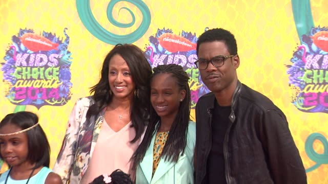 chris rock at nickelodeon's 27th annual kids' choice awards at usc galen center on march 29 2014 in los angeles california - nickelodeon bildbanksvideor och videomaterial från bakom kulisserna