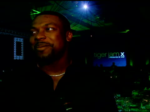 vidéos et rushes de chris tucker on admiring tiger woods, on his being a role model, on tiger woods learning center, and on 'rush hour 3' at the tiger jam x, presented... - rush hour