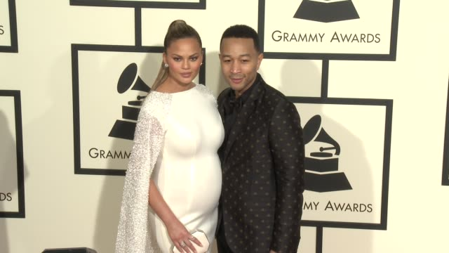 stockvideo's en b-roll-footage met chrissy teigen and john legend at the 58th annual grammy awards® arrivals at staples center on february 15 2016 in los angeles california - 58e grammy awards