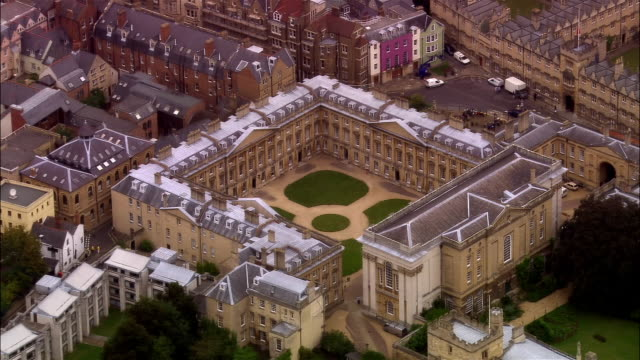 aerial, christ church college, oxford, england - oxford oxfordshire stock-videos und b-roll-filmmaterial