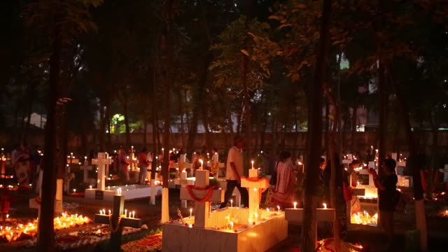 christian devotees observe all souls' day, known as the feast of all souls, commemoration of all the faithful departed in dhaka , bangladesh on... - 朝聖者 個影片檔及 b 捲影像