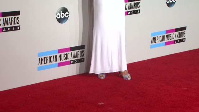 christina aguilera at 2013 american music awards arrivals in los angeles ca - christina aguilera stock videos & royalty-free footage