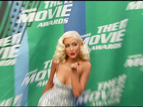 christina aguilera at the 2006 mtv movie awards red carpet at sony pictures studios in culver city california on june 3 2006 - christina aguilera stock videos & royalty-free footage