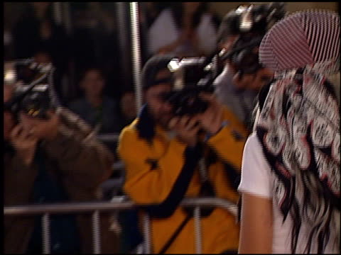 vídeos de stock, filmes e b-roll de christina aguilera at the '8 mile' premiere on november 6 2002 - 2002