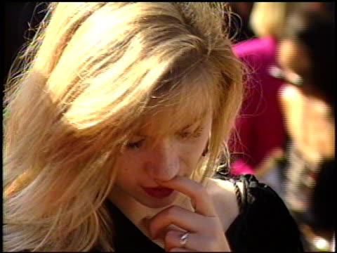 stockvideo's en b-roll-footage met christina applegate at the 1989 emmy awards outside at the pasadena civic auditorium in pasadena california on september 17 1989 - 1989