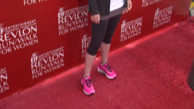 christina applegate at the 21st annual eif revlon run walk for women at los angeles coliseum on may 10, 2014 in los angeles, california. - レブロン点の映像素材/bロール